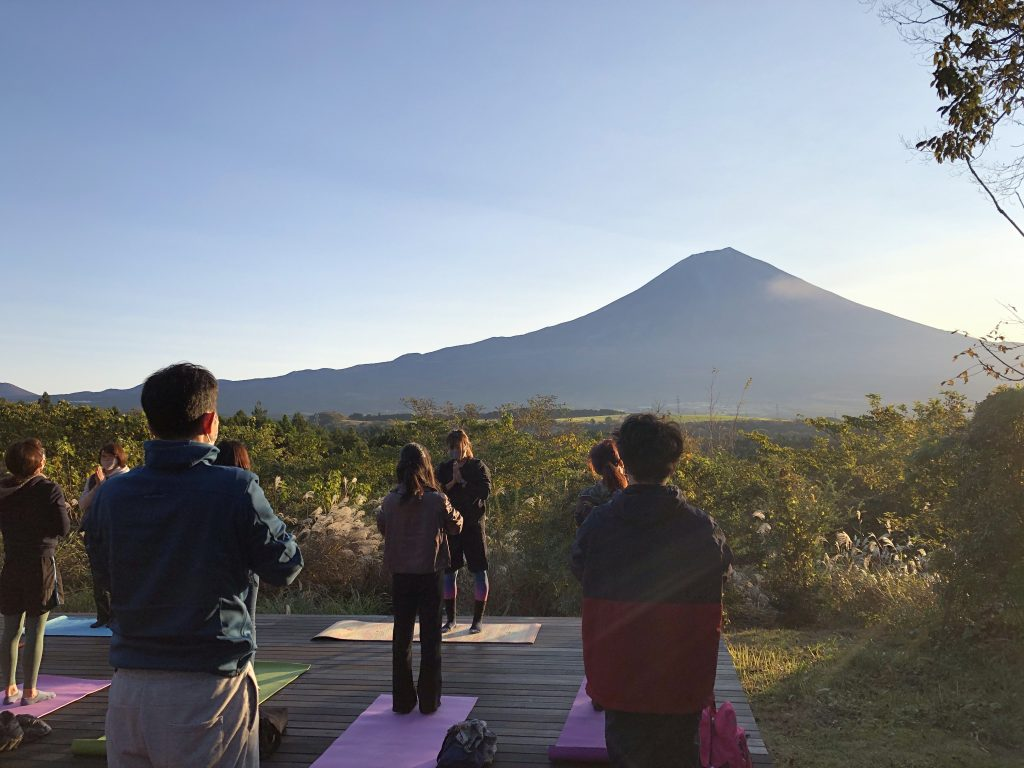 富士日月倶楽部・朝ヨガ